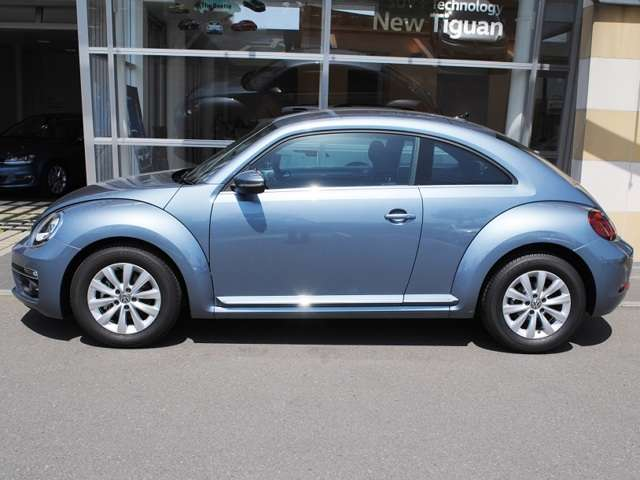 New The Beetle Design 純正ナビ・ETC・キセノンライト装着車【デモカー】の画像2