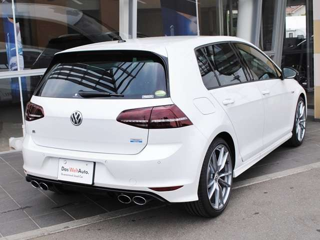 Golf R carbon style 限定車 有償ボディーカラー装着車【元社有車】の画像2