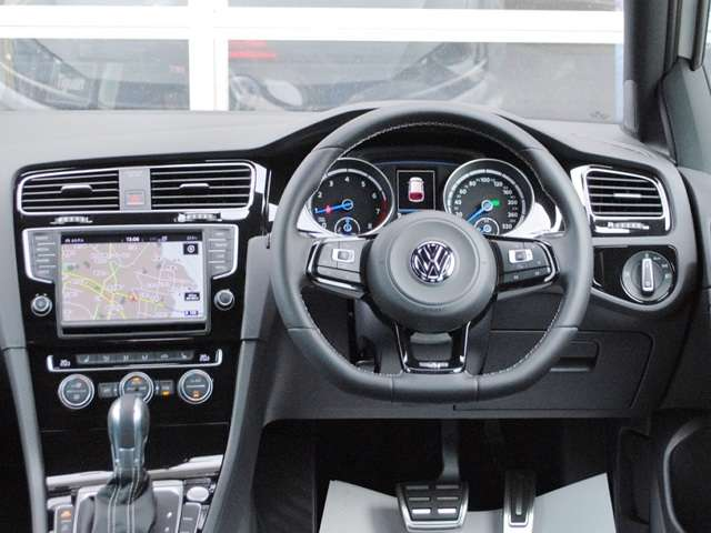 Golf R carbon style 限定車 有償ボディーカラー装着車【元社有車】の画像3