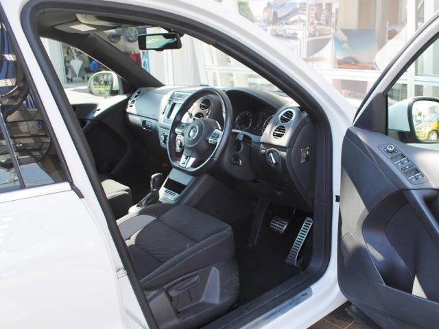 Tiguan TSI BlueMotion Technology R-Line Package  純正ナビ・ETC・バックカメラ装着車の画像4