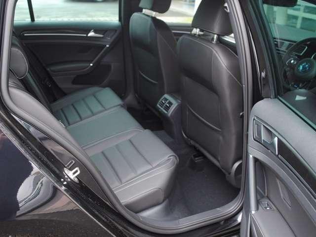 Golf R Variant  本革シート装着車【登録済み未使用車】の画像4