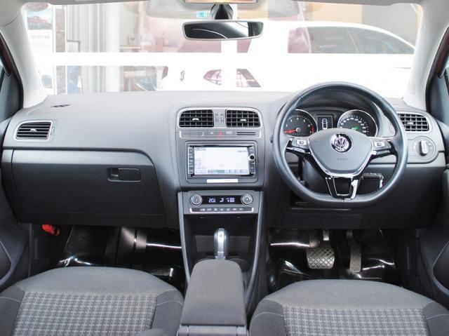 Polo TSI Comfortline Upgrade Package 純正ナビ・ETC・バックカメラ装着車の画像4