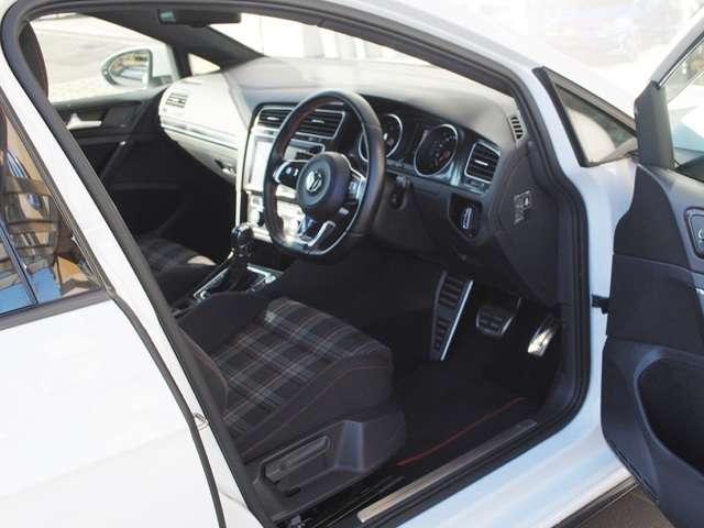 Golf GTI  18アルミ・アルパインナビ・ETC・バックカメラ 装着車の画像4