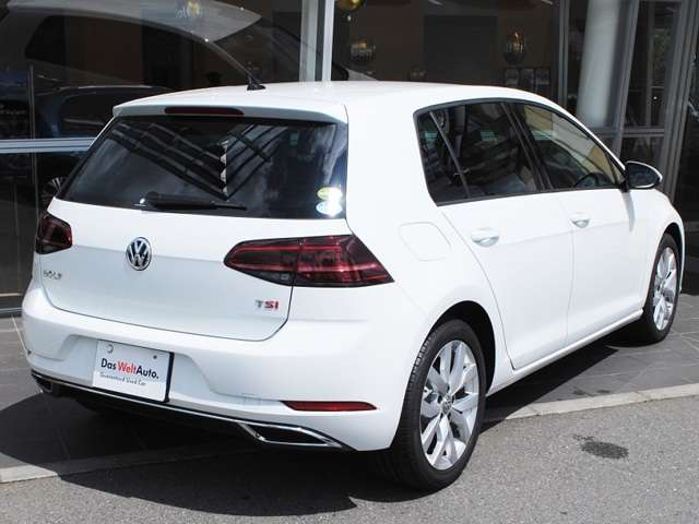 New Golf TSI Highline  テクノロジーパッケージ装着車【デモカー】の画像2