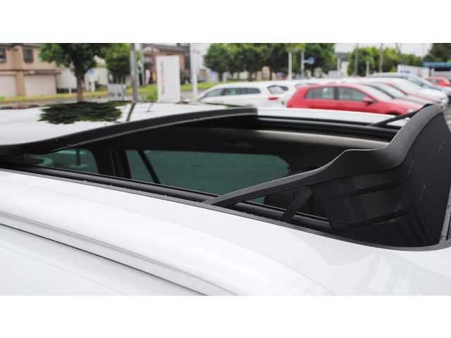 Passat  Variant TSI  Highline 本革シート・パノラマサンルーフ・テクノロジーパッケージ装着車 【登録済み未使用車】の画像2