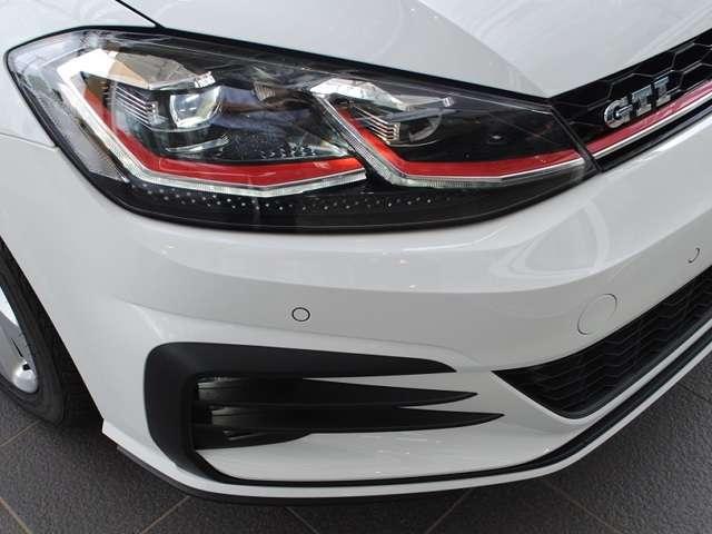 New Golf GTI  17アルミ・純正インフォメントシステム装着車【元デモカー】の画像3