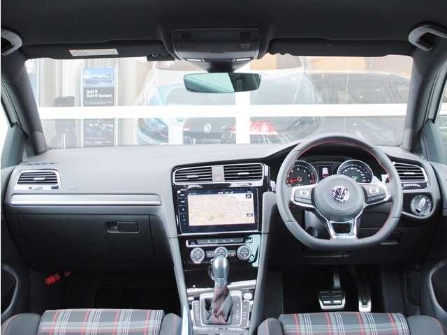 New Golf GTI  17アルミ・純正インフォメントシステム装着車【元デモカー】の画像4