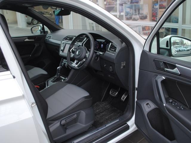 New Tiguan TSI R-Line テクノロジーパッケージ・社外ドライブレコーダー装着車の画像4