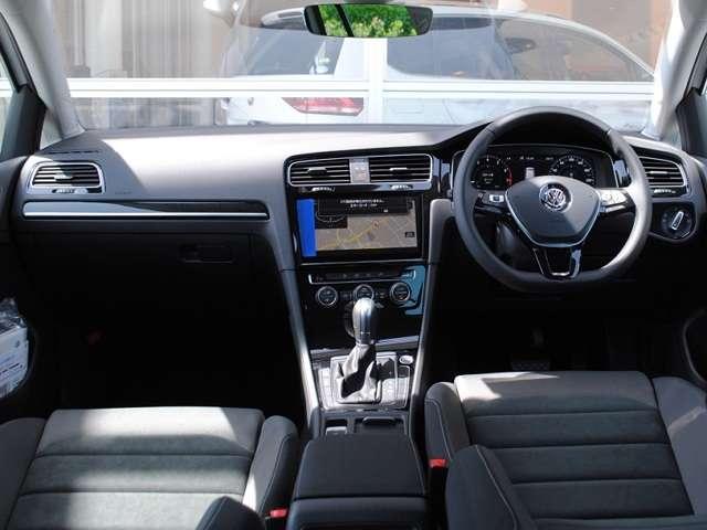 New Golf  Variant TSI Highline テクノロジーパッケージ装着車【登録済み未使用車】の画像4