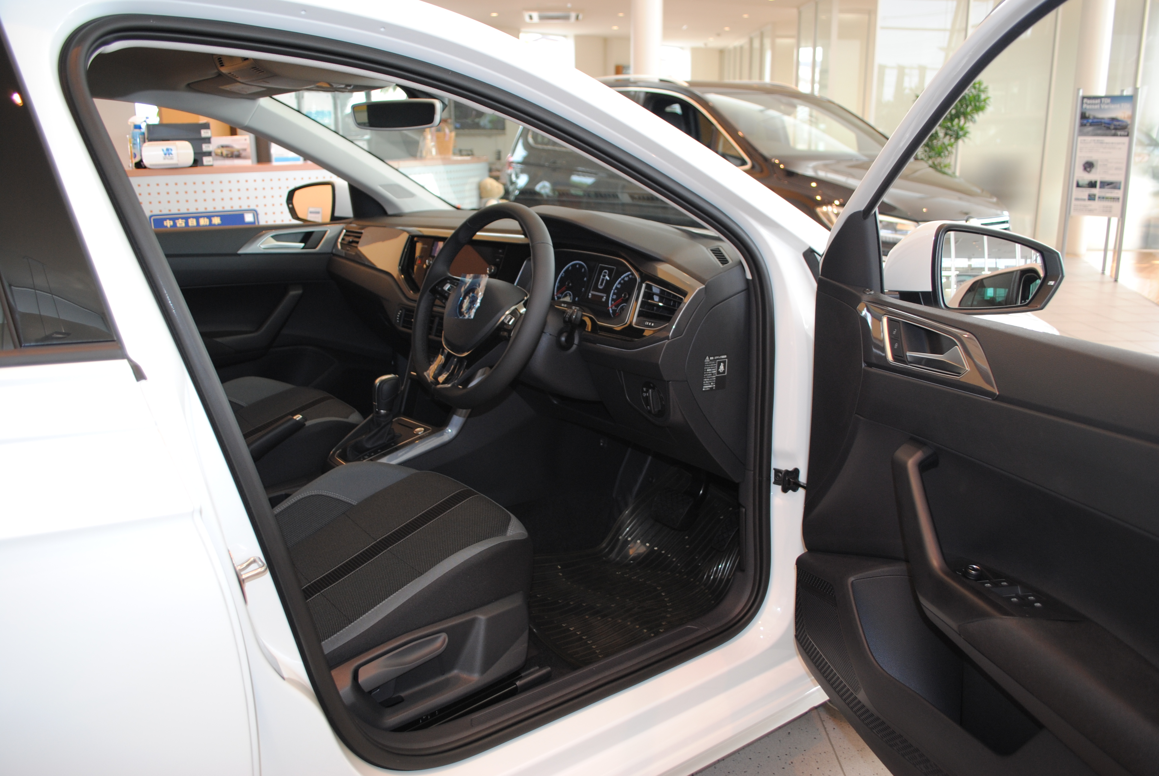 New Polo TSI Highline【Discover Proパッケージ装着車】の画像4