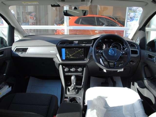 【登録済み未使用車】Golf Touran TSI Comfortlineアップグレードパッケージ装着車の画像4