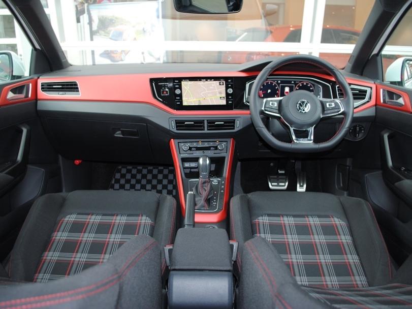 【元デモカー】New Polo GTI  純正インフォテイメントシステム装着車の画像4
