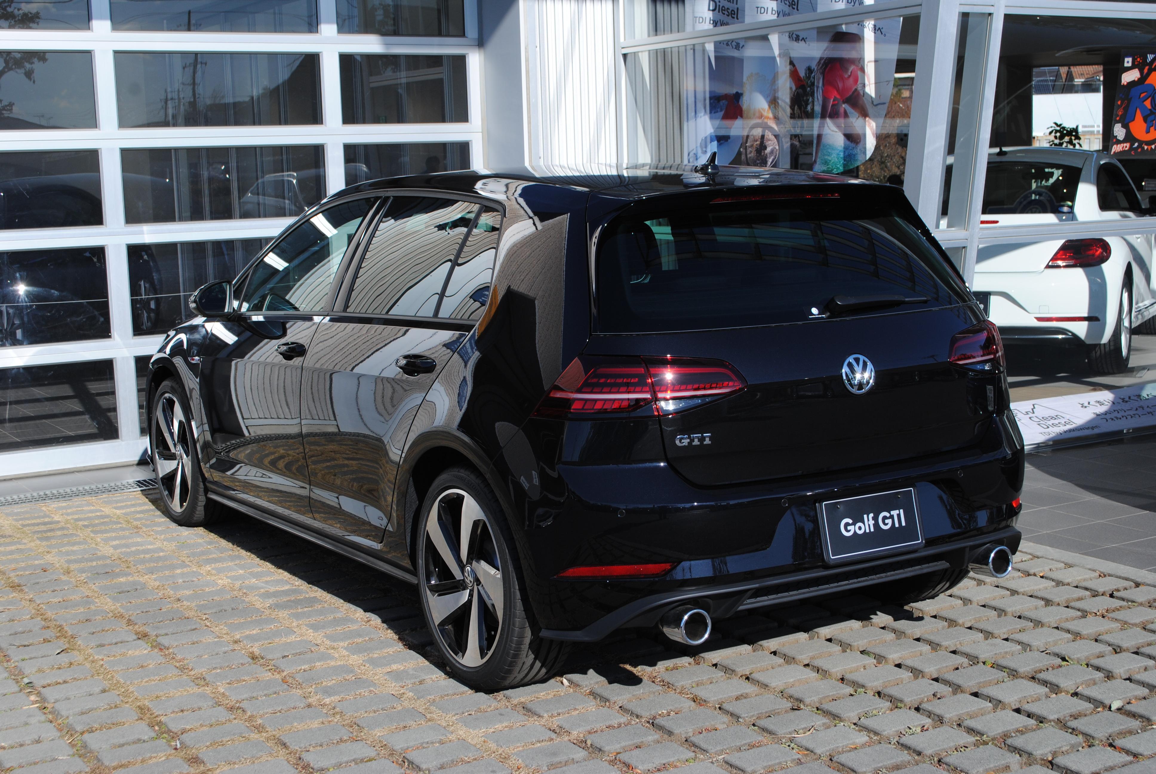 Golf GTI 【6速マニュアル】純正インフォテイメントシステム・テクロノジーパッケージ・DCC装着車の画像2