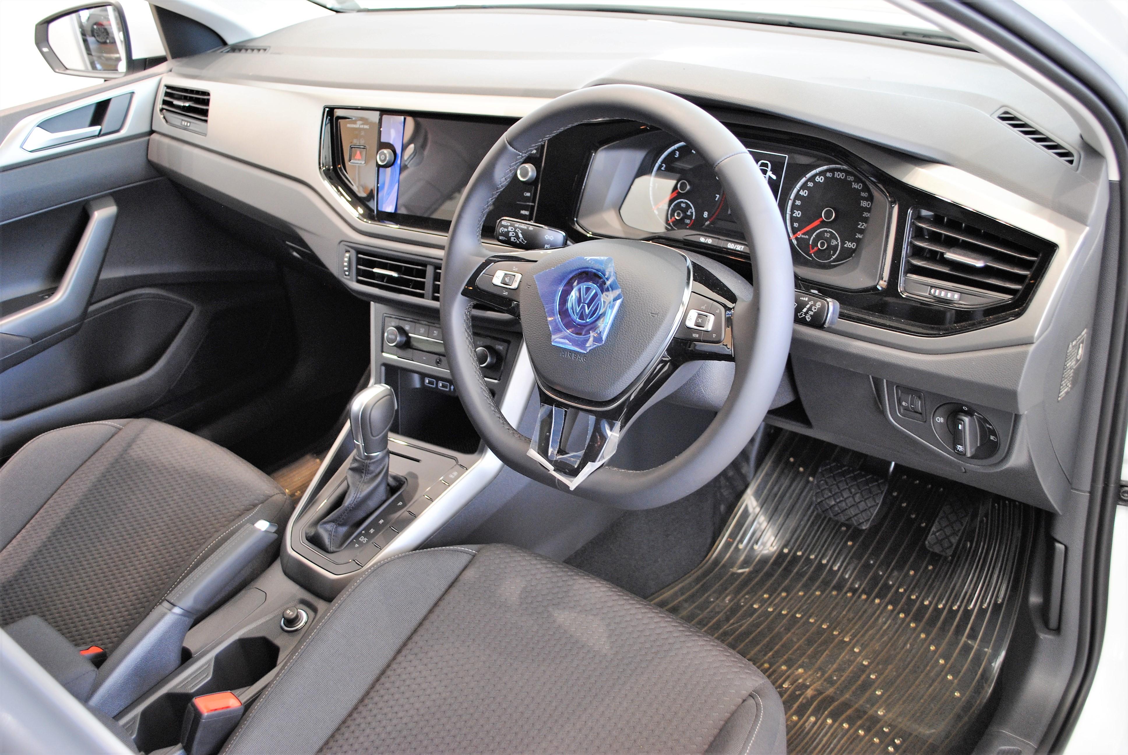 New Polo TSI Comfortline【Discover Proパッケージ装着車】の画像3