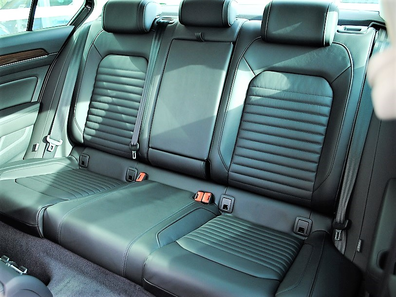 【元社有車】Passat TSI Highline テクノロジーパッケージ・純正ナビ(Discover Pro)・バックカメラ・ETC・LEDヘッドライト装着車の画像4