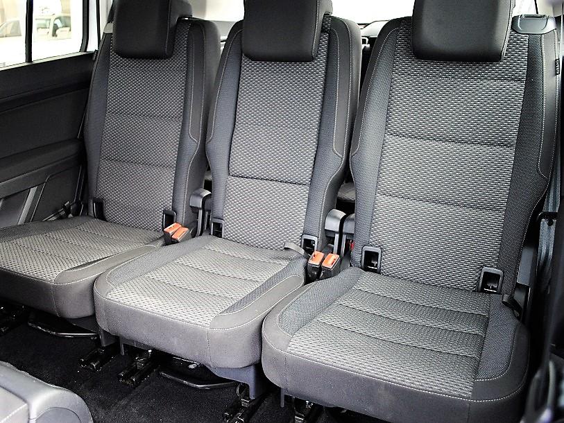 Golf Touran TSI Comfortline Tech Edition 2 純正ナビ(Discover Pro)・バックカメラ・ETC・LEDヘッドライト・パワーテールゲイト                              ・シートヒーター・有償ボディカラー装着車の画像4