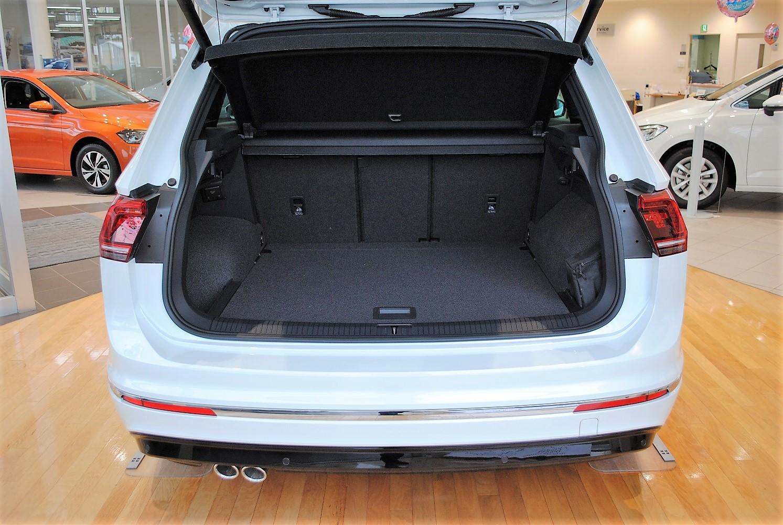 【クリーンディーゼル×4WD車】 Tiguan TDI 4MOTION  R-Line 装着車の画像3