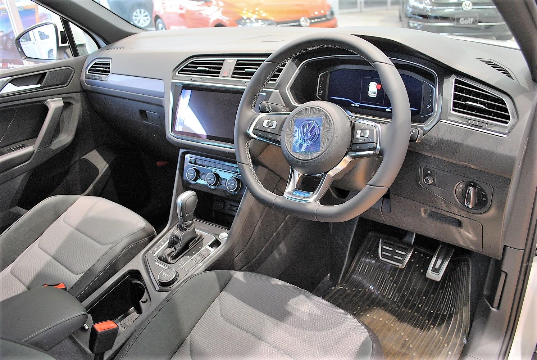 【クリーンディーゼル×4WD車】 Tiguan TDI 4MOTION  R-Line 装着車の画像4