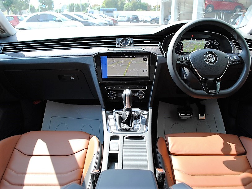 【元デモカー】Arteon TSI 4MOTION Elegance Luxuryパッケージ ・SR ・Dynaudioプレミアムオーディオ装着車の画像3