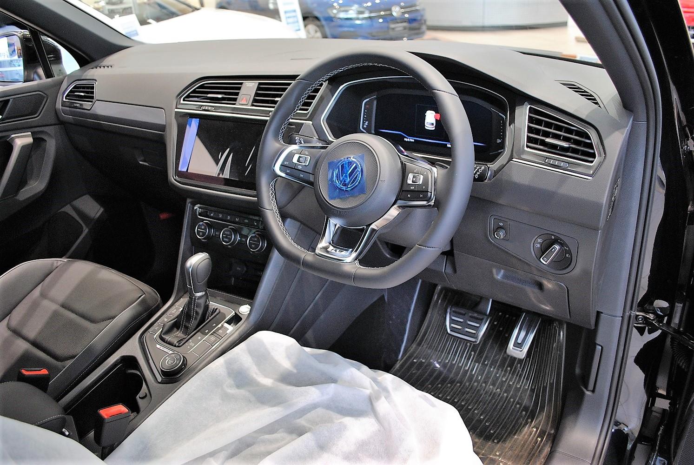 クリーンディーゼルTiguan TDI 4MOTION R-Line レザーシート DCCパッケージ装着車の画像2