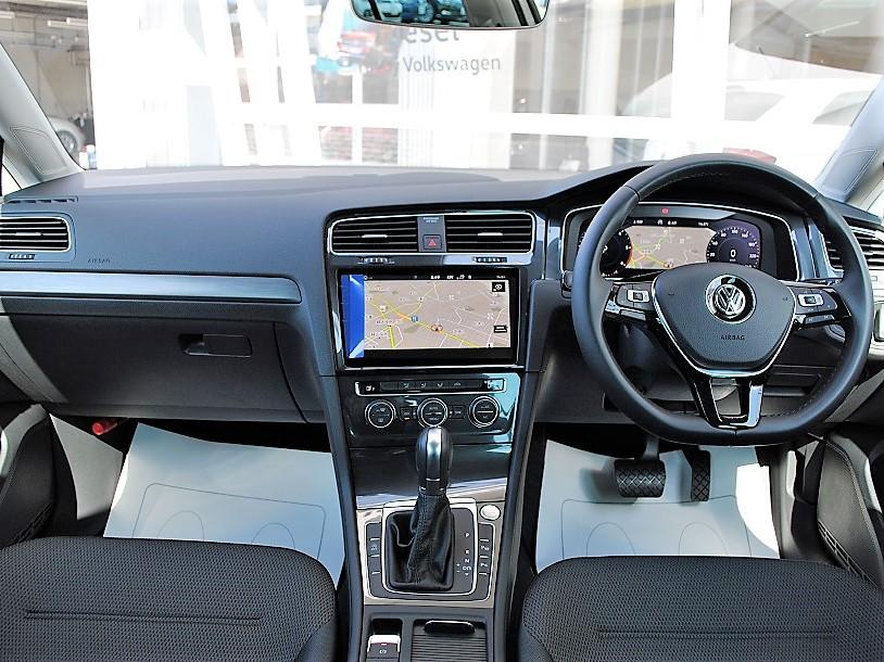 【元デモカー】クリーンディーゼル Golf TDI Comfortline 純正ナビゲーションDiscoverPro、リアビューカメラ、デジタルメーター、ETCの画像3
