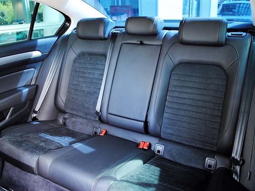 Passat TSI Eleganceline 純正ナビゲーションDiscoverPro、ETC、シートヒーター、電動テールゲート装着車の画像4