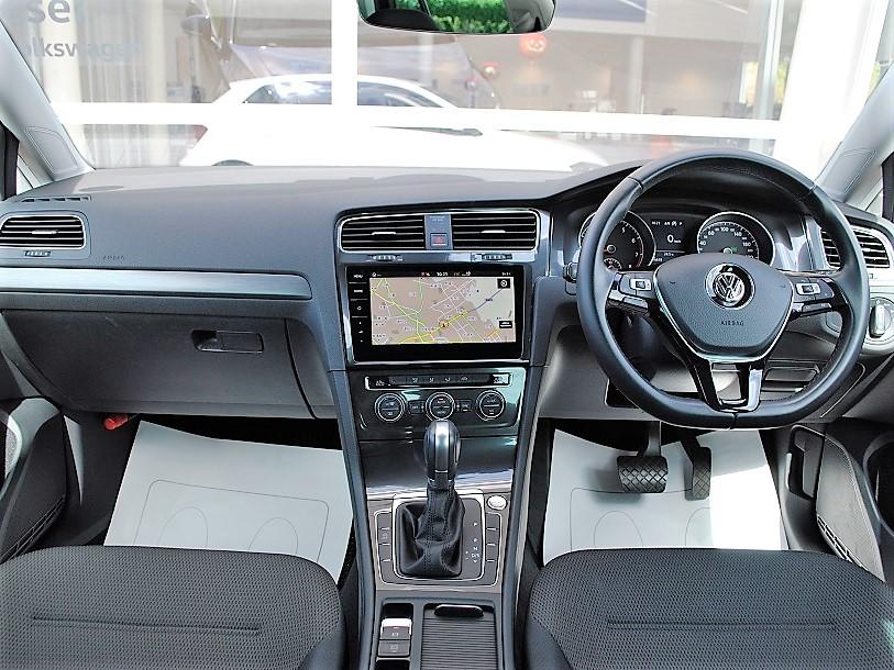 Golf TSI Comfortline 純正ナビ、純正ドライブレコーダー、バックカメラ、ETC装着車の画像3